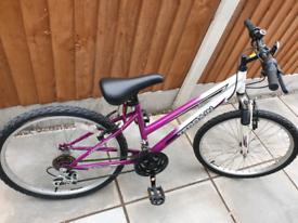 Girls / Ladies bicycle