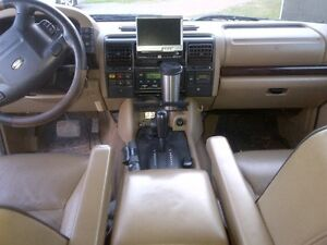 2000 Land Rover Discovery Black SUV, Crossover