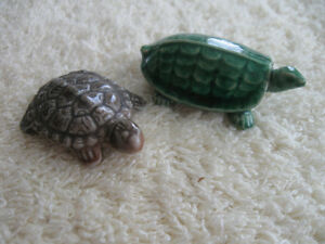 ATTN. TURTLE COLLECTORS  VINTAGE CHINA PAIR from the '60's