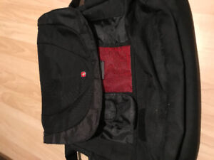 Swiss Army brand name laptop messenger bag with no damage / wear