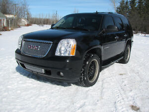 2007 GMC Yukon Denali SUV, Crossover