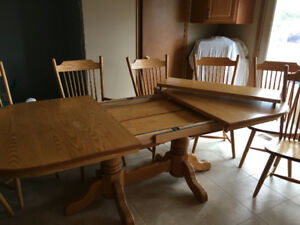 Solid Oak Mennonite Made Dining Table And Chairs