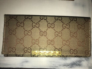 ce994fb55f65 Gucci | Buy or Sell Used or New Clothing Online in Windsor Region ...