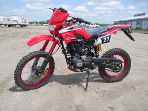 TEEN / ADULT BRAND NEW 200 cc 4 STROKE DIRT BIKE FOR $1499.00