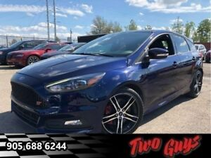 2016 Ford Focus ST| 252HP | Stick | Nav| Leather| Sunroof