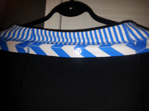 LUlulemon black with Blue trim yoga pants $20
