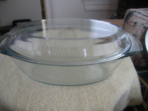 LARGE OVAL FAMILY-SIZED MARINEX OVEN-PROOF CASSEROLE with LID