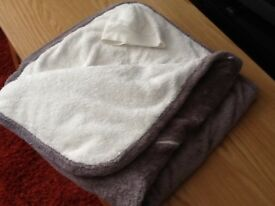 Super soft 2.3 tog PRAM blanket/car seat blanket. Excellent condition