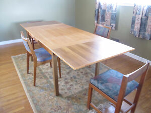 Teak dining table with 4 teak chairs