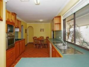 KARDINYA - 2 SPARE ROOMS NOW AVAILABLE IN A FRIENDLY SHARE. Kardinya Melville Area Preview