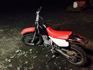 Honda dirt bike, 1,000$ Williams Lake Cariboo Area image 10