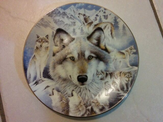 2 Limited Edition Wolf Collectors Plates by Diana Casey/Lee Cabl