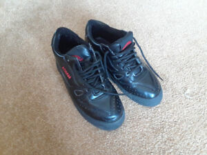Asham Ladies curling shoes Size 7.5