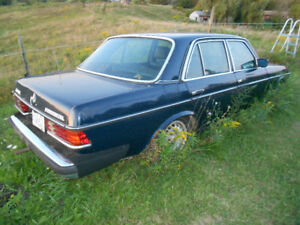 Mercedes-Benz 300D turbo diesel and spare parts