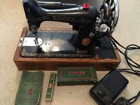 Vintage Portable Singer Sewing Machine EF937758