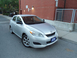 2009 TOYOTA MATRIX , LOADED , LOW MILEAGE , ALLOY WHEELS !!!