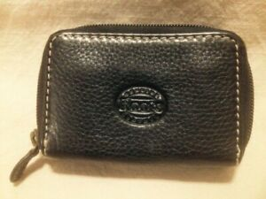 Ladies Small Authentic Roots Black Leather Zippered Wallet