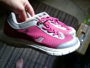 girls shoes- new and used Windsor Region Ontario image 5