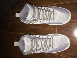 Jordan 12's wolf grey size 8.5 men