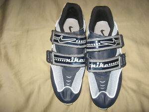 Nike road cycling shoes, men's size 7, EU 41 London Ontario image 2