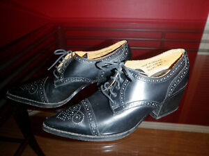 Vintage1990s, JOHN FLUEVOG Pointy Brogue Winklepicker Shoes, 6.5