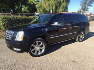 2011 Cadillac Escalade ESV FULLY LOADED!!