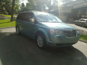 2010 Chrysler Town & Country Touring Minivan, Van