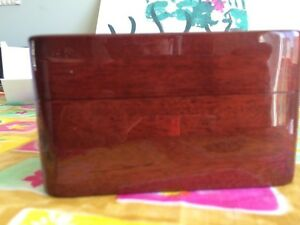Omega Polished mahogany watch box West Island Greater Montréal image 4