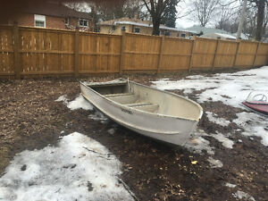 14ft Princecraft Aluminium Boat and 25hp Evinrude Outboard