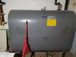 Système de chauffage au mazout avec réservoir