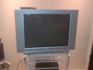22 inch phillips tube tv with remote.
