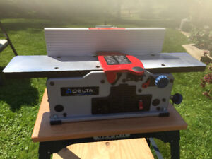 "Delta 6"" Variable Speed Bench Jointer with stand"
