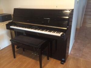 A warm sounding Piano for your livingroom.