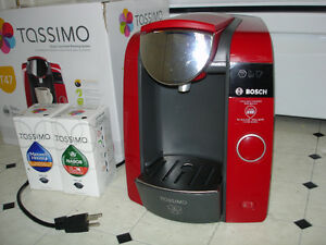 Tassimo coffee maker (red)
