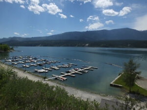 Akiskinook Resort Condo on Lake Windermere, BC