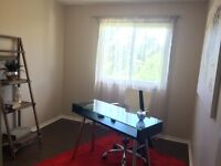 Beautiful renovated 3BDR located right off Ogilvie 1399+