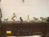 Selection of brassware - 6 in total - brass horse / horses / brass owl / brass dog / brass bell