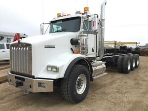 NEW 2015 Kenworth T800 Extended Daycab Tri-Drive Chassis