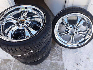 17in. Universal bolt pattern MINT CONDITION