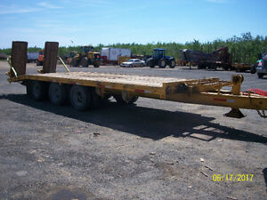 Trailer 3 axles pintles hook.
