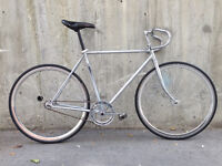 Single speed/fixie metal-n-black track in awesome condition!
