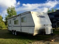 2005 Holidaire Travel Trailer