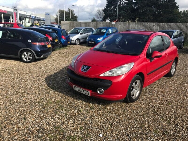 06 plate Peugeot 207 1.4 petrol with service history