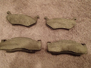 Set of 4 Front disc Brake Pads by Jasper 016-9251-21