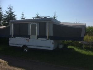2010 SunValley Fleeetwood tent trailer