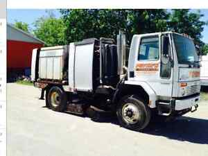 Schwarze A8000 street sweeper high dump   Low miles/hrs