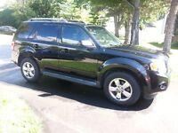 2009 FORD ESCAPE LIMITED AWD ***63000KM***