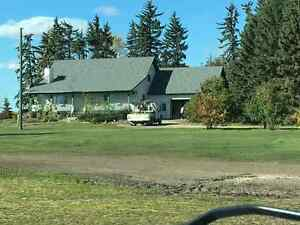 Large farm house 5 minutes south of stony plain.