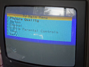 """REDUCED  19"""" GE TV with user's guide and remote Cornwall Ontario image 6"""
