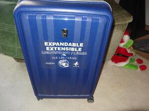 "Atlantic Solstice 28"" Hard Side 4-Wheeled Expandable Luggage - D"